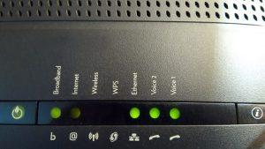 Lee más sobre el artículo Como saber si alguien utiliza tu Wifi y como evitarlo