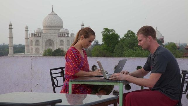 Nómadas digitales: la aventura de surcar el mundo con un negocio en tu mochila